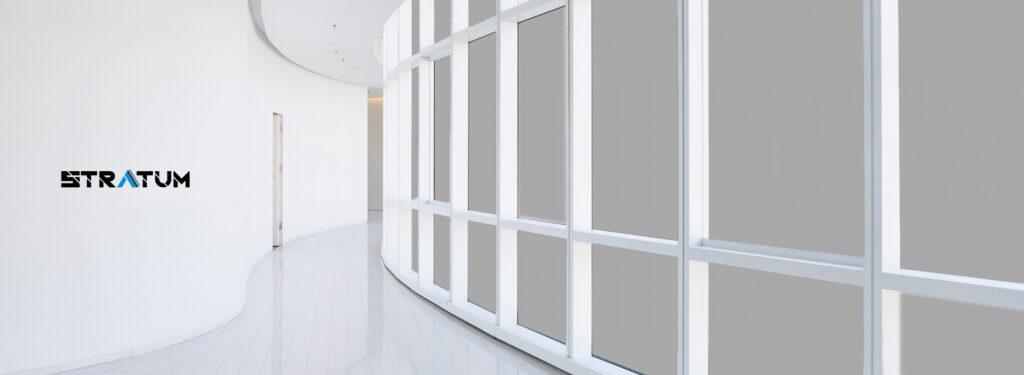 Pellicola LCD Stratum Wink - D installata su corridoio